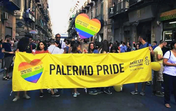 story from: Voci - Numero 3 Anno 1 - Amnesty International in Sicilia