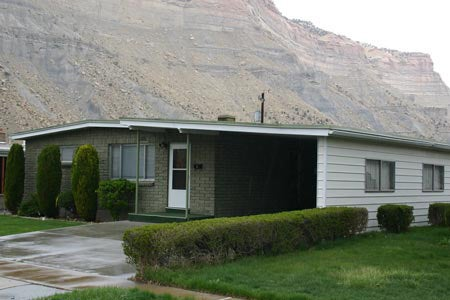 Page 38 of Utah's Historic Architecture Guide - WWII & Post War Residential Building Types