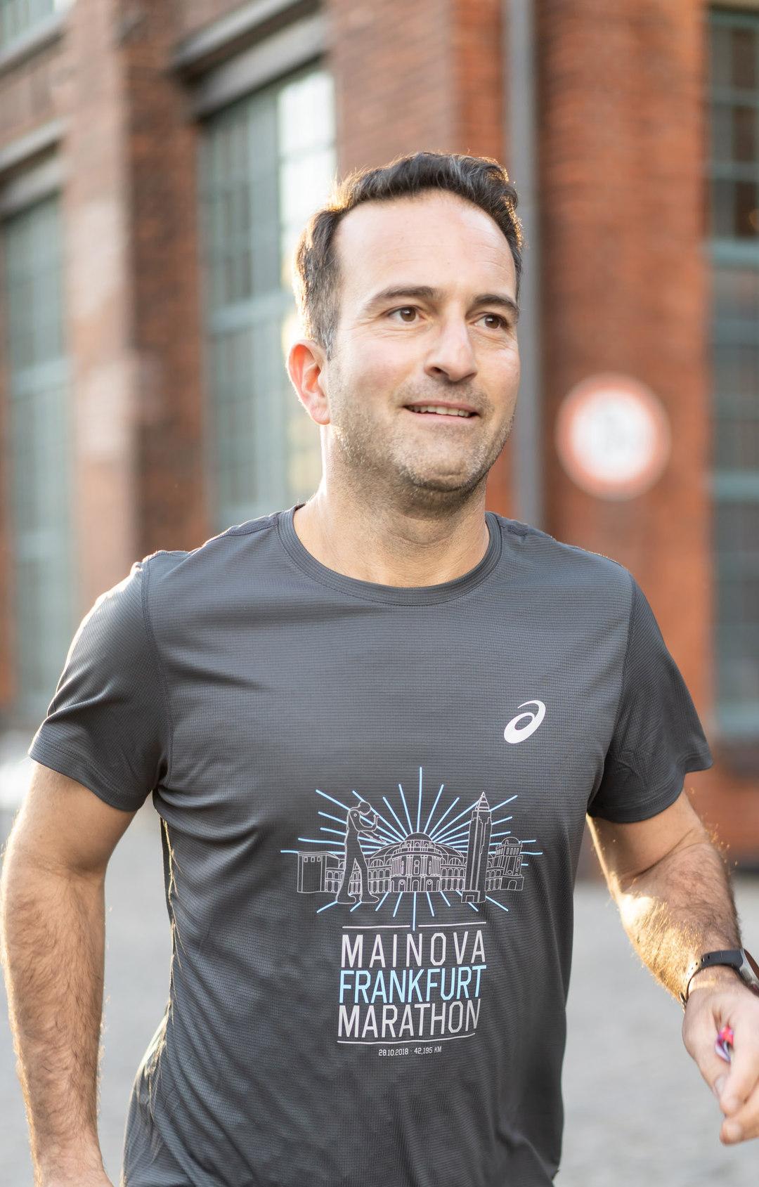 Page 130 of Maschine Mensch – die Utopie 3:29. Marathon in Frankfurt