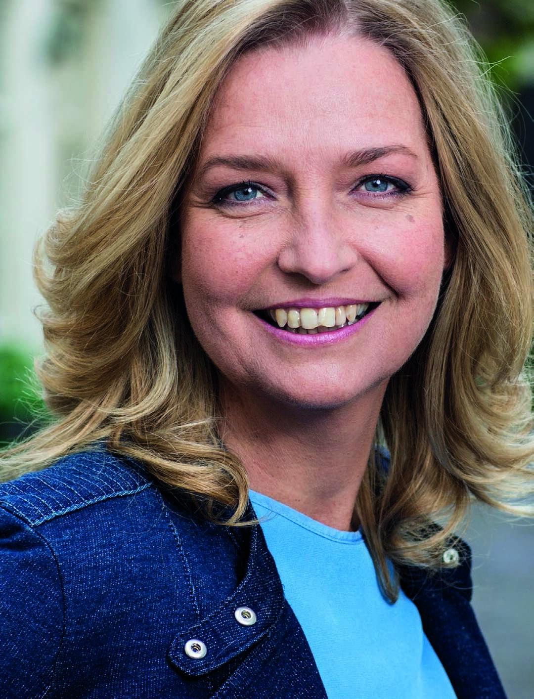 Page 10 of Hella van der  Wijst: 'Aandacht, echte aandacht... dat werkt als troostmedicijn'