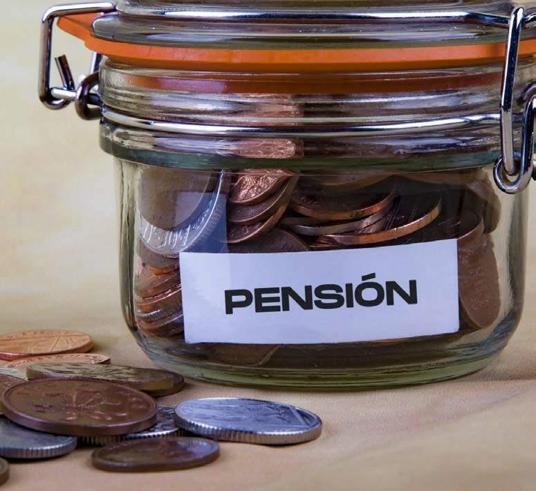 Page 26 of Solidaridad o sistema privado: Hablamos de pensiones.