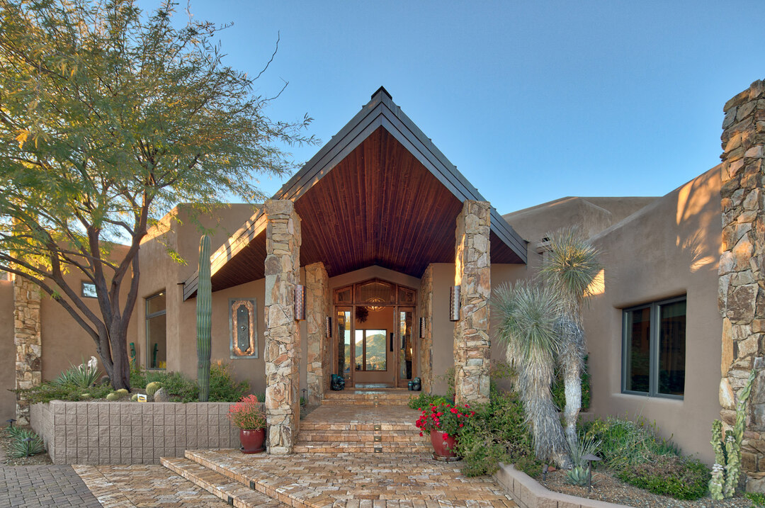 Page 1 of North Scottsdale Luxury Property Report