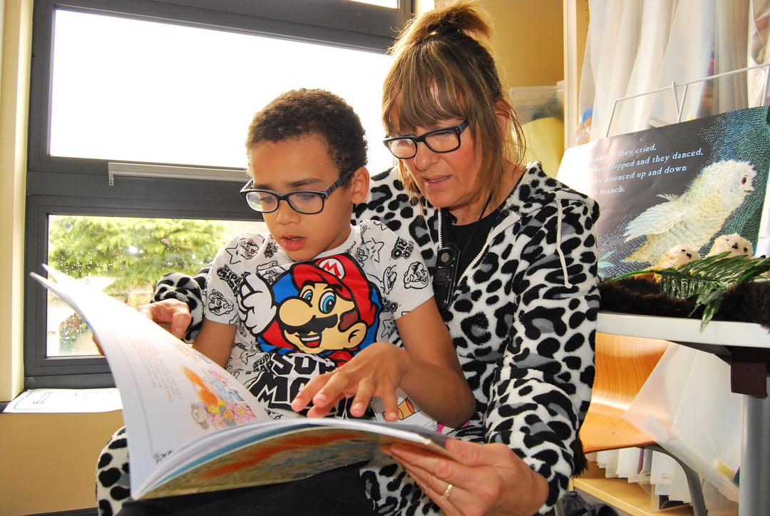 Page 4 of BookTrust: Helping children benefit from daily reading