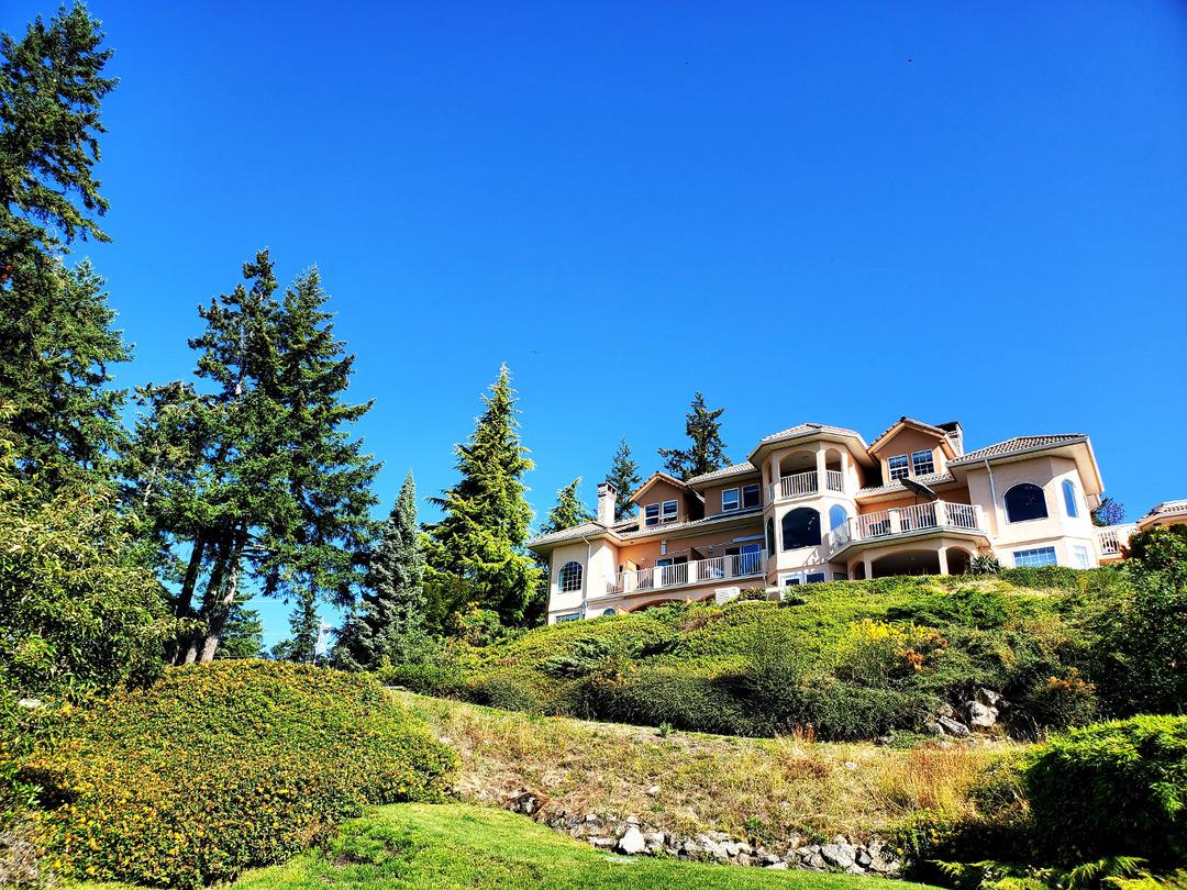 Page 32 of Villa Eyrie Resort ☆ 5-Star Mountainside Luxury   Victoria Island