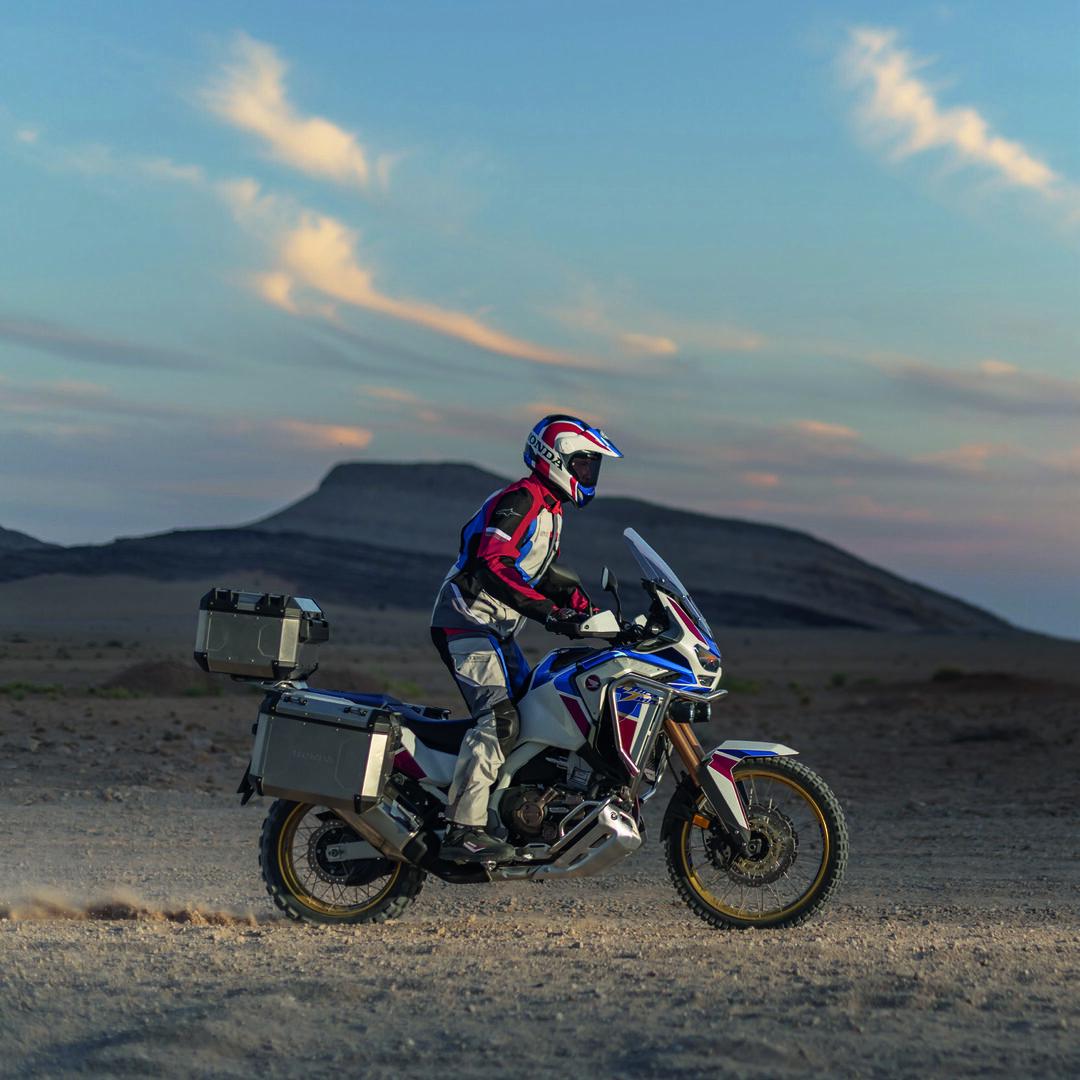 Page 1 of Honda CRF1100L Africa Twin Adventure Sports - YM20 - Varusteet