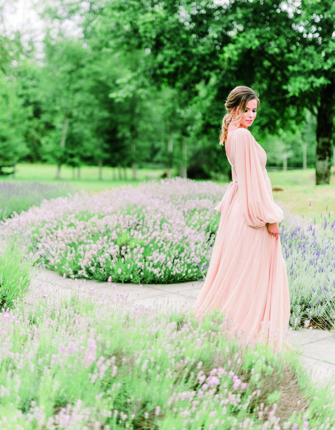 Page 16 of Lovely Lavender Fields Bridal Inspo