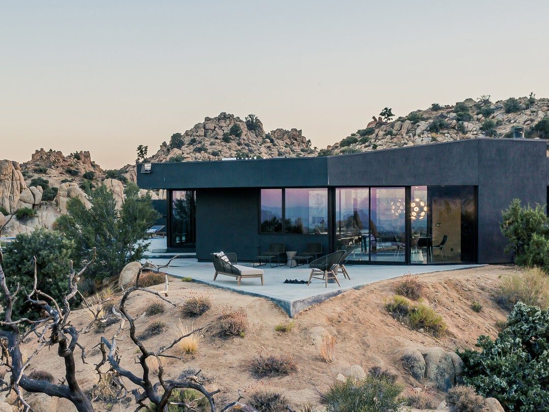 Page 12 of Luxurious & Iconic Black Desert House