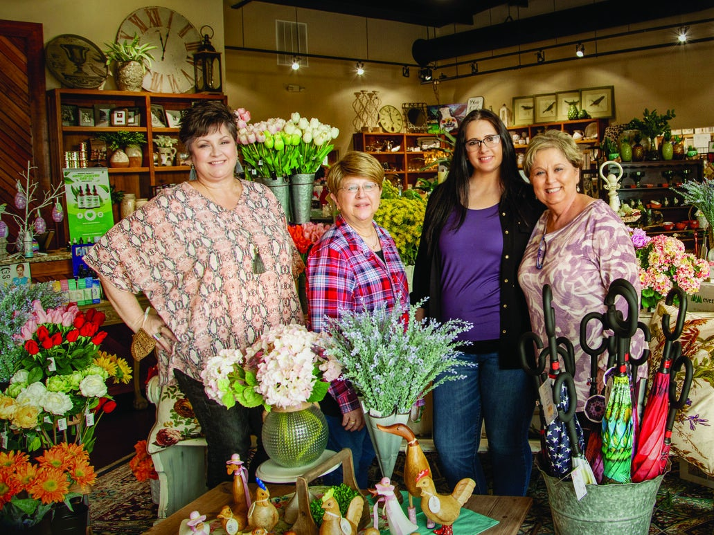 Page 42 of Readers Choice for Favorite Vilonia Business.....Linda Marie's