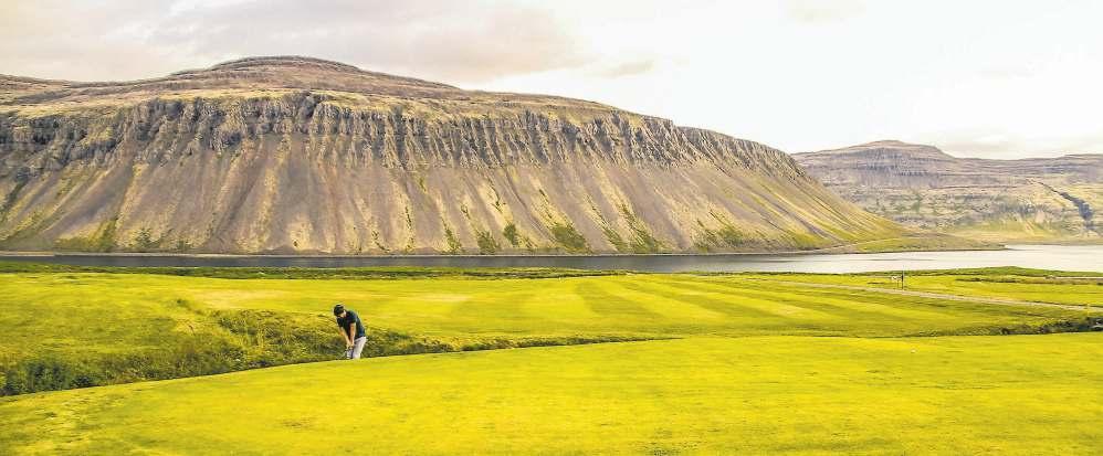 Page 12 of Markmiðið er að golfhreyfingin sé ákveðið hreyfiafl að bættu samfélagi