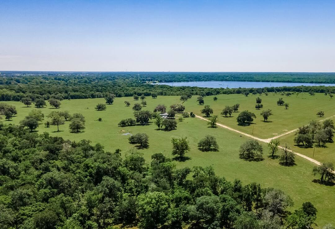 Page 1 of 680 Acres Brazoria County